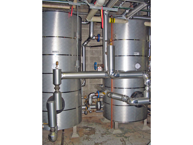 Institutional hot-water tanks